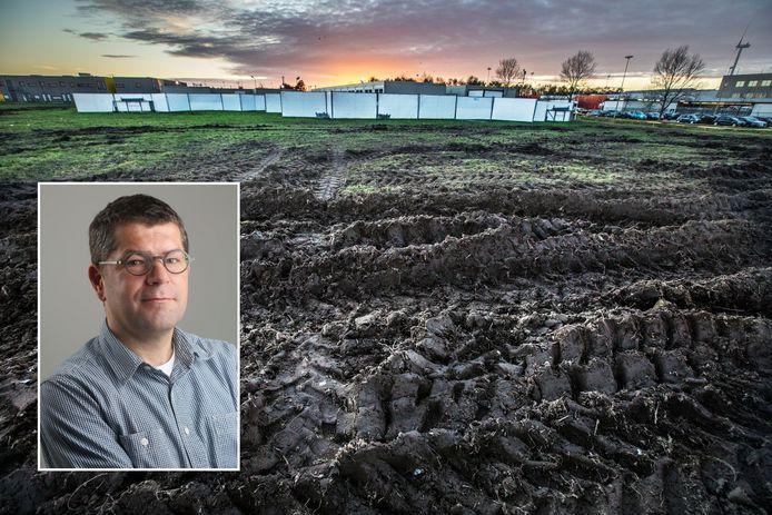 Vlak voor de Corona-opvang voor dak- en thuislozen aan de Henri Faasdreef is het veld flink omgeploegd na een bezoek van boeren op tractoren. Inzetje: Chef Axel Veldhuijzen.
