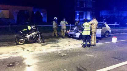 Motorrijder vlucht voor politie en knalt op tegenligger