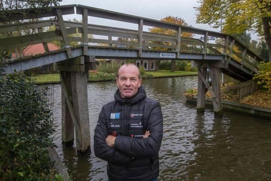 Angenent bij het beroemde bruggetje van Bartlehiem