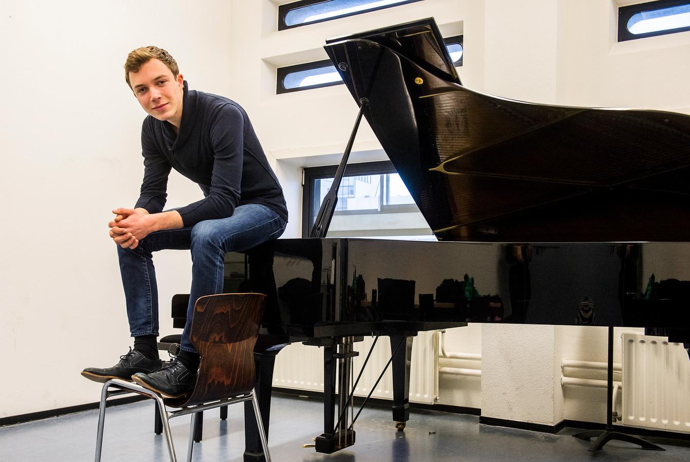Wim Verschuren droomt van het geven van pianorecitals in de Doelen en in Carnegie Hall.