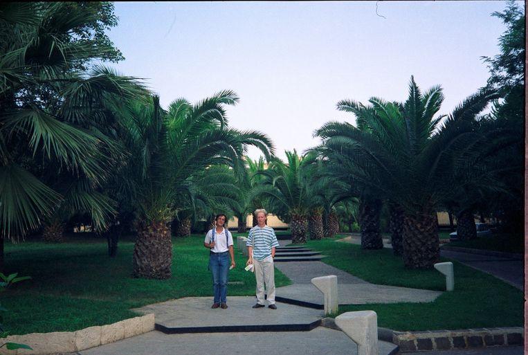 Angelo en Bart 1990, in de botanische tuin van Catania, 1990. Beeld null