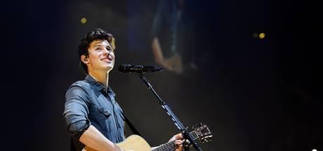 Shawn Mendes treedt op tijdens MTV EMA
