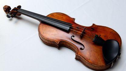 Man die 310 jaar oude viool vergat op trein heeft zijn instrument weer terug