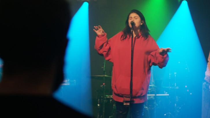 Roxeanne Hazes: Ik zat huilend in de auto naar een optreden