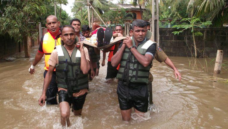 Zowat 700.000 mensen werden het slachtoffer van de overstromingen en modderstromen.