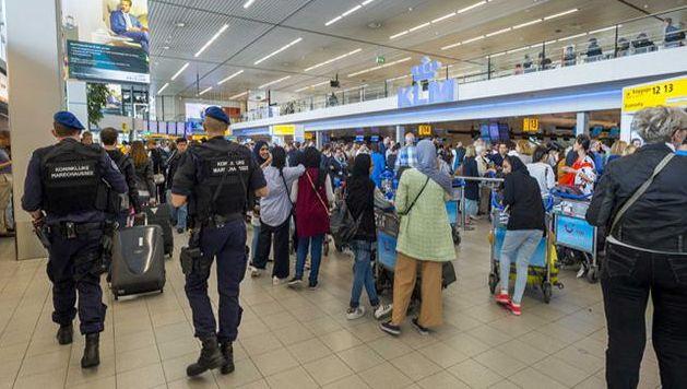 Des complices des terroristes des attentats de Paris et Bruxelles prévoyaient de frapper l'aéroport de Schipol aux Pays-Bas le 13 novembre 2015.