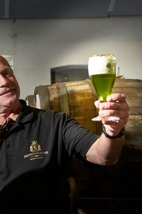 Nieuw, heldergroen cannabisbier uit de Achterhoek al uitverkocht voordat het in de winkel is
