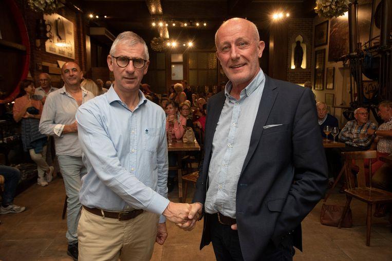 Burgemeester Dirk De Maeseneer (CD&V) en Frank De Vis (N-VA) gaan samen verder besturen.