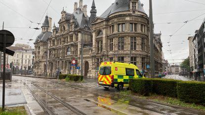 Jongeman (16) in hand gestoken door dronkenlap (56) op tram