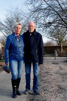Ans ontdekt op de sterfdag van haar vader dat zijn graf is verdwenen