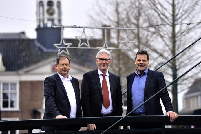 (vlnr) Noud Smulders (Dinteloord), Kees Karsten (Bernardus Wonen) en Ruud van den Boom (Brabantse Waard). De corporaties fuseerden op 1 januari 2016 tot Woonkwartier.