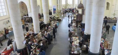 Tweedehands boek is 'sexy': Boekenbeurs Bergkerk puilt zaterdag uit
