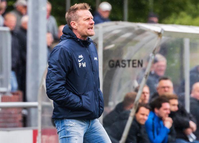 Excelsior'31-trainer Peter Wesselink.