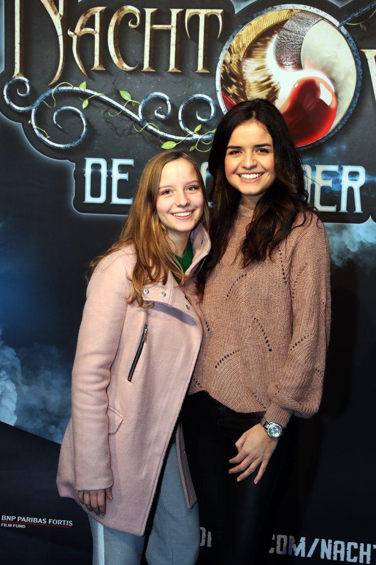 Marthe van K3 met haar zus.