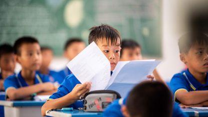 """""""We maken echte mannen van mietjes"""": Chinese school leert """"vrouwelijke"""" jongens terug man te zijn"""