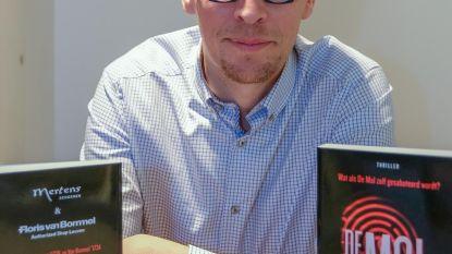 Mol-deelnemer signeert eigen thriller bij Mertens Schoenen
