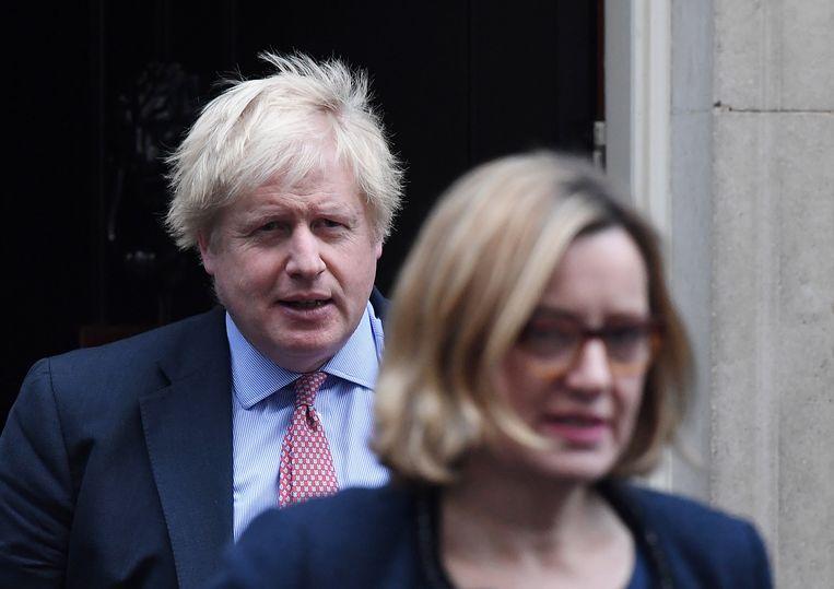 Premier Boris Johnson, hier met Amber Rudd in de voorgrond, die afgelopen weekend nog ontslag nam uit de regering uit protest tegen de gang van zaken rond de brexit.