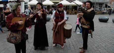 Gevarieerde 17de eeuwse Handelsmarkt in Heusden Vesting