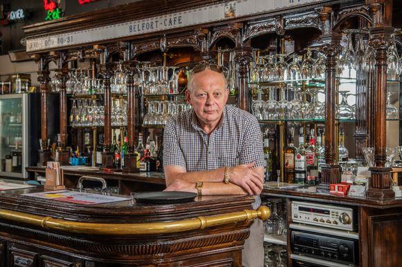 Julien Saeys van café Belfort in Aalst.