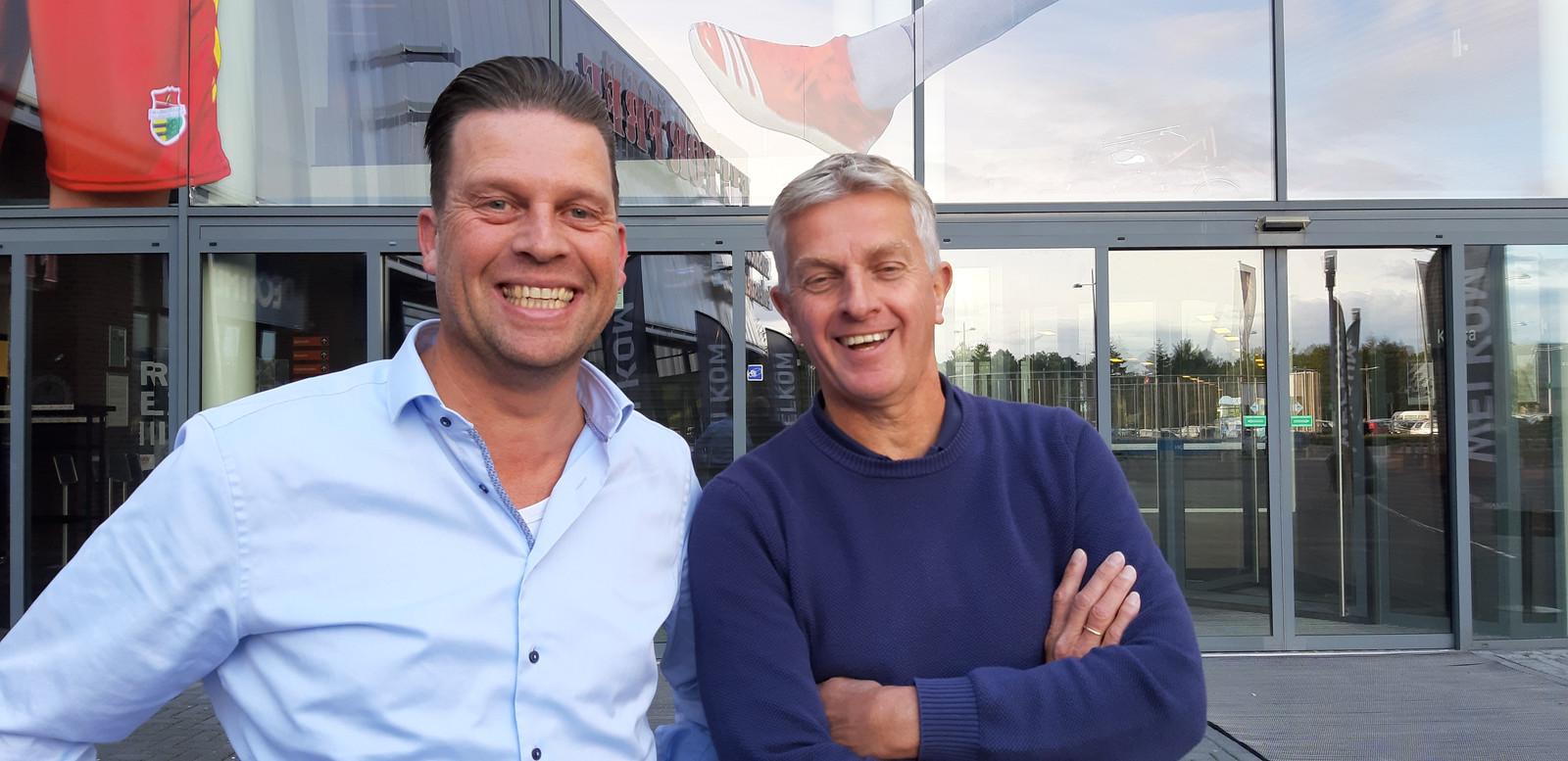 Arjan de Frens en Peter de Vries, bestuursleden van de Stichting Topvolleybal Dynamo en initiatiefnemers van het eerste Sportcafé.