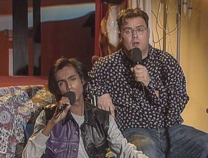 Rene Klijn met Paul de Leeuw in de uitzending van 25 jaar geleden.