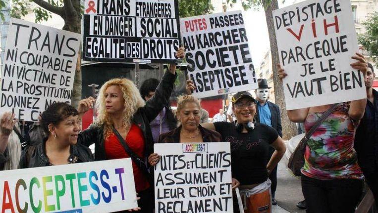 Sekswerkers protesteren tegen de plannen in Parijs. Beeld AFP
