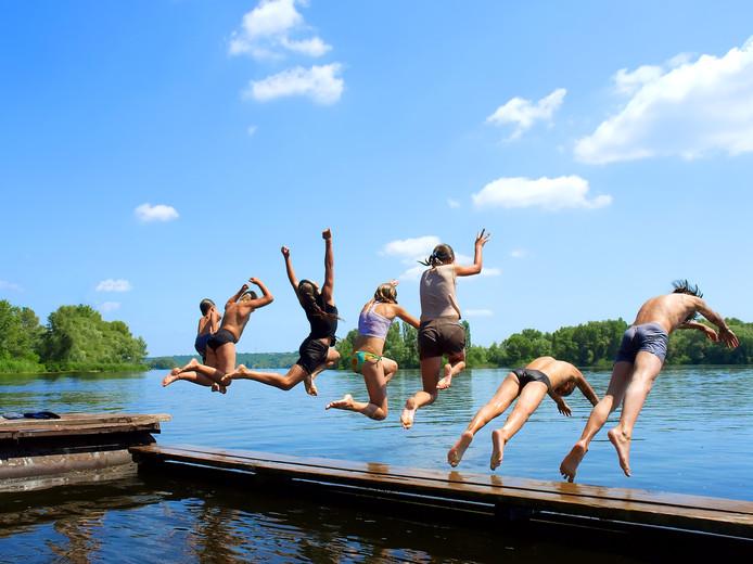 Zwitserse scholieren willen drie maanden zomervakantie, Nederlandse leerlingen denken daar anders over.