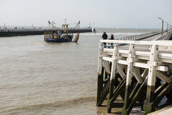 De bijna-aanvaring gebeurde bij het uiteinde van de havengeul van Nieuwpoort.