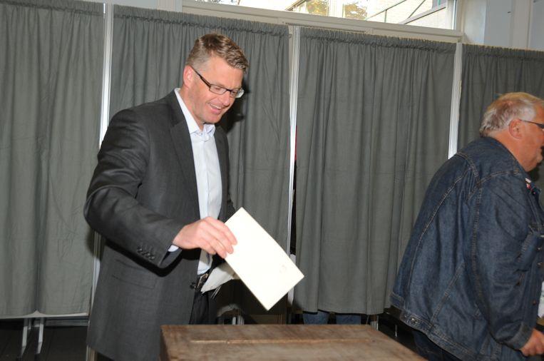Yves Deswaene tijdens de gemeenteraadsverkiezingen van 2012.