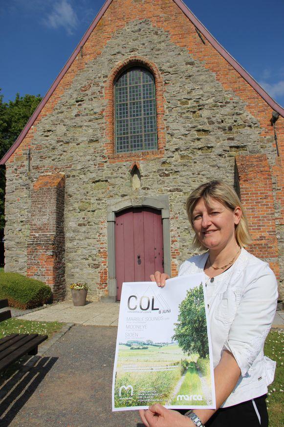 Schepen van Cultuur Isabel Van Quickelberghe (N-VA) stelt de nieuwe Concerten op Locatie voor.