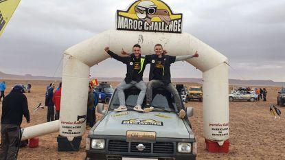 """Sean en Dieter knokken zich naar eindmeet van hun eerste Maroc Challenge: """"Ruit verbrijzeld door lading stenen"""""""
