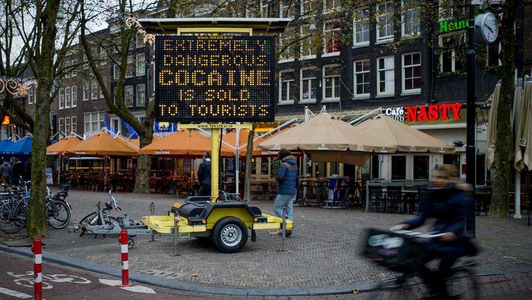De waarschuwingsborden in de stad. Beeld anp