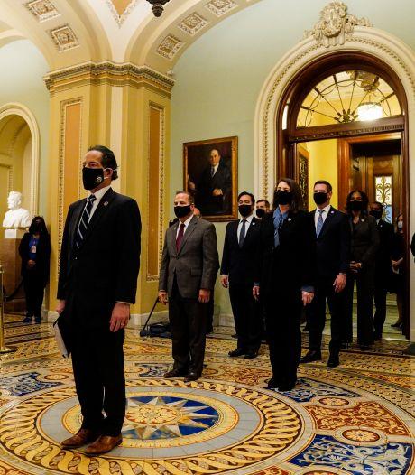 L'acte d'accusation de Trump déposé dans un Capitole encore meurtri par les violences
