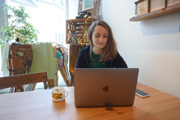 Clara cherchait depuis longtemps l'opportunité de travailler de chez elle.