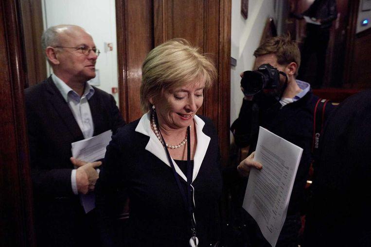 PvdA Eerste-Kamerlid Guusje ter Horst staat de pers te woord omtrent de nieuwe zorgpolis die weg is gestemd in de Eerste Kamer. Beeld anp