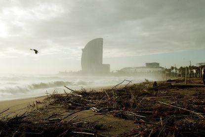 Storm Gloria veroorzaakt grote schade in Spanje, dodental stijgt tot dertien