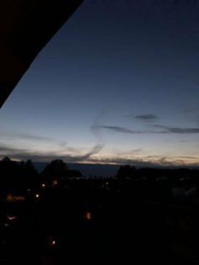 De bijzondere 'wolk' gezien vanaf Empel.