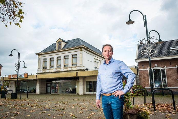 Volgens Bert Rozendal, voorzitter van de Ondernemersvereniging Heerde, zijn er nog steeds geïnteresseerde partijen voor een invulling met horeca in de plint van locatie Van Setten/ Van Loenen.