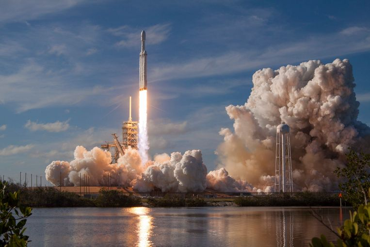 De lancering van de Falcon Heavy op 6 februari 2018.