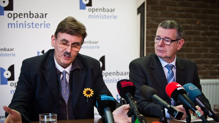 Persmagistraat Benjamin Zajtmann (r) liet weten dat de zaak nog weken in beslag kan nemen