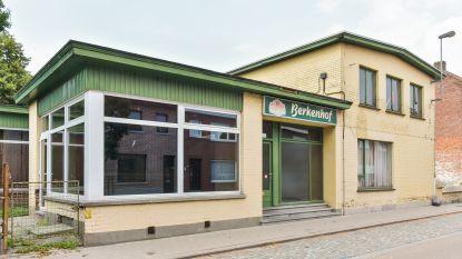 Leegstaande cafés Berkenhof en De Boucherie gaan tegen de vlakte