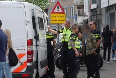 Man aangehouden op Prinsenkade: reden onbekend, veel politie op de been
