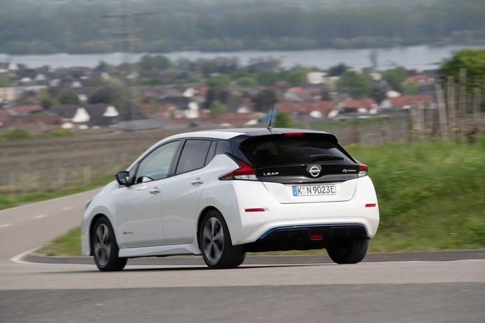 Voor elektrische auto's, zoals de Nissan Leaf, geldt in Oostenrijk een hogere snelheidslimiet
