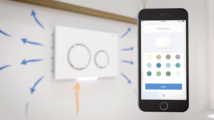 Met een app op de telefoon kun je de intensiteit van het filteren instellen en het licht bedienen.