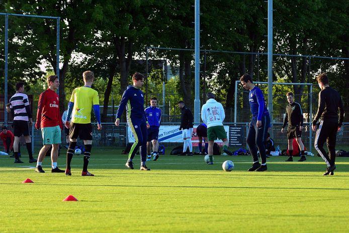 De heren van DSE in Etten-Leur zijn begonnen met trainen