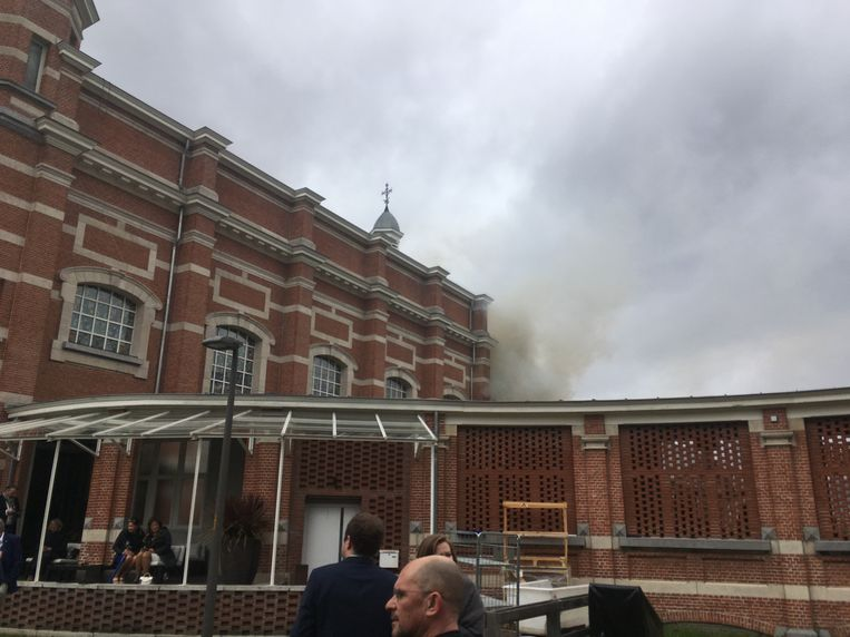 De brandweer heeft de brand inmiddels onder controle.