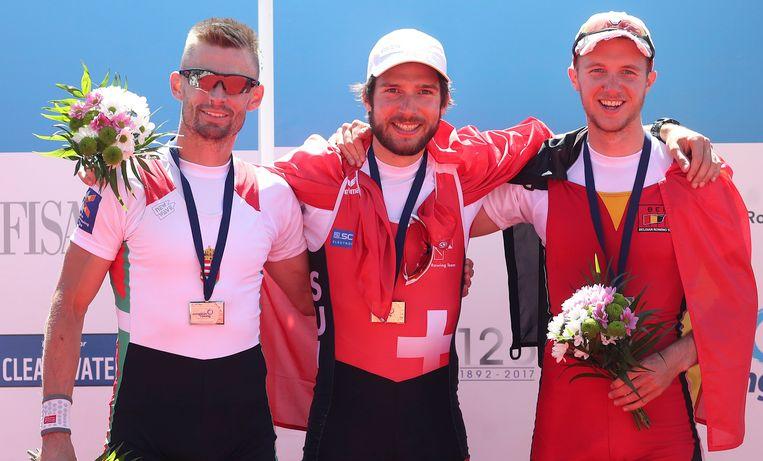 Van Zandweghe (rechts) met winnaar Schmid (midden) en Galambos (links) op het podium.