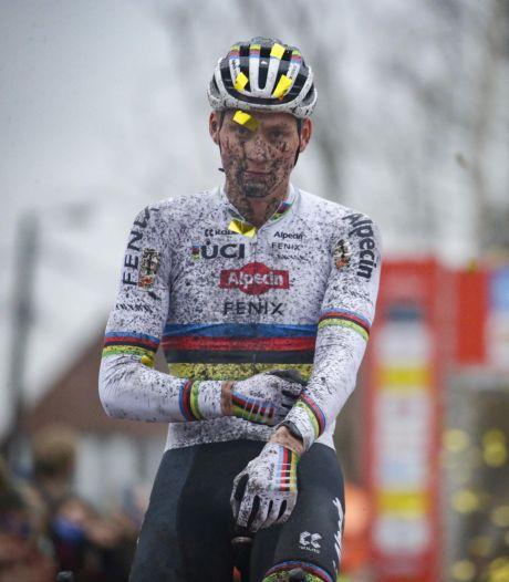 Van der Poel ziet Van Aert vandaag als favoriet: 'Wout rijdt een thuiscross'
