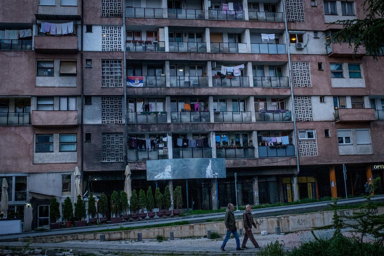 In de stad Mitrovica in het noorden van Kosovo wonen veel etnische Serviërs.