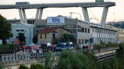 Voertuigen die nog op snelwegbrug Genua stonden zijn weggehaald